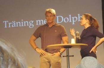 [Bild: Dolph Lundgren med sin förläggare]