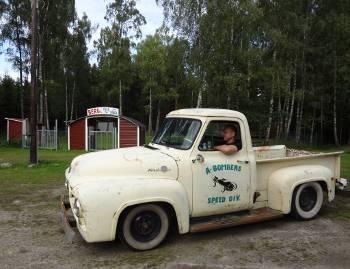 [Bild: Bergs festplats och vad är det för fordon? Glömde fråga...]