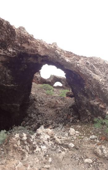 [Bild: Bergsformationer nära Teguise, Lanzarote]