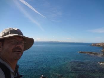Nisse med Corralejo och Fuerteventura i horisonten, från Lanzarote]