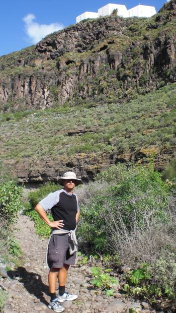 [Bild: Nisse i ravinen. Jardin Botanico Canario. Barracon de Guiniguada. Gran Canaria.]