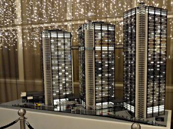 [Bild: LEGO. Gothia Towers. Göteborg]
