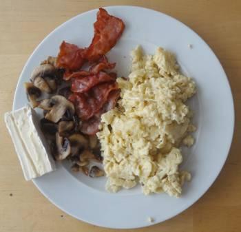 [Bild: Typisk LCHF-frukost. I Nisses värld.]