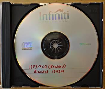 [Bild: CD:n 130314 till bilen, blandad musik.]