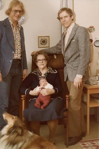 [Bild: 4 generationer på fars sida]