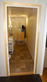[Bild: lgn172; Hall, Badrum]