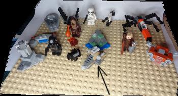 [Bild: LEGO 75245 Lucka 14 på plattan]