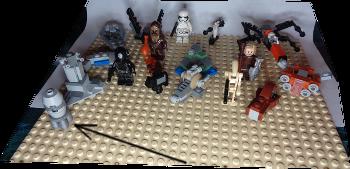 [Bild: LEGO 75245 Lucka 17 på plattan]