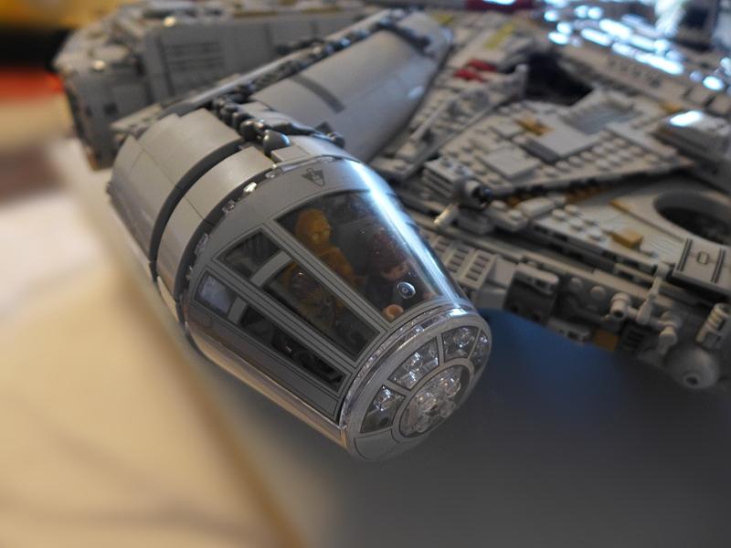 [Bild: LEGO 75192 Förarpersonalen på plats]