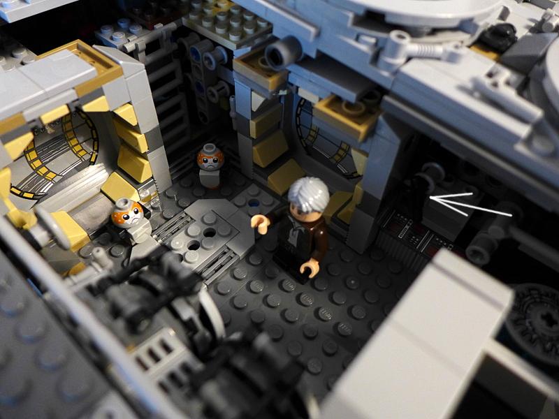 [Bild: LEGO 75192 Han Solo (den äldre) och de 2 Porg'arna i personalutrymmet]